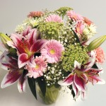 Classic Hand Tied Mothers Day Bouquet + FREE Milk Chocolate Hearts, just £24.99!