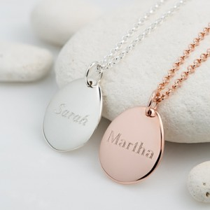 Pebble Medium Engraved in silver and rose gold VNSPM 400x400